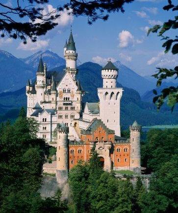 Замок Нойшванштайн баварского короля Людвига II.