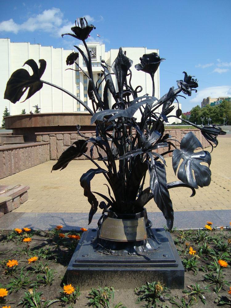 скульптуры цветов из металла фото горячая вода голосование